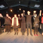 """(De gauche à droite) Marie-Claude, Rachel, Nathalie, Myriam, Hervé, Ane-Marie et Gisèle dans """"D comme Turbulences"""""""
